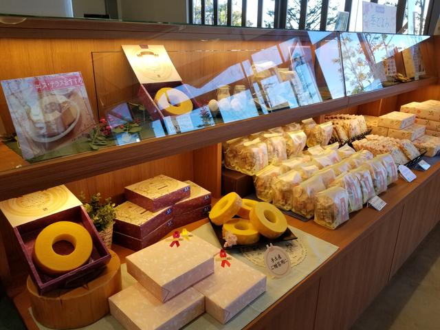 画像6: 最後はカフェ「エス・テラス」でデザート食べてお土産を見よう!