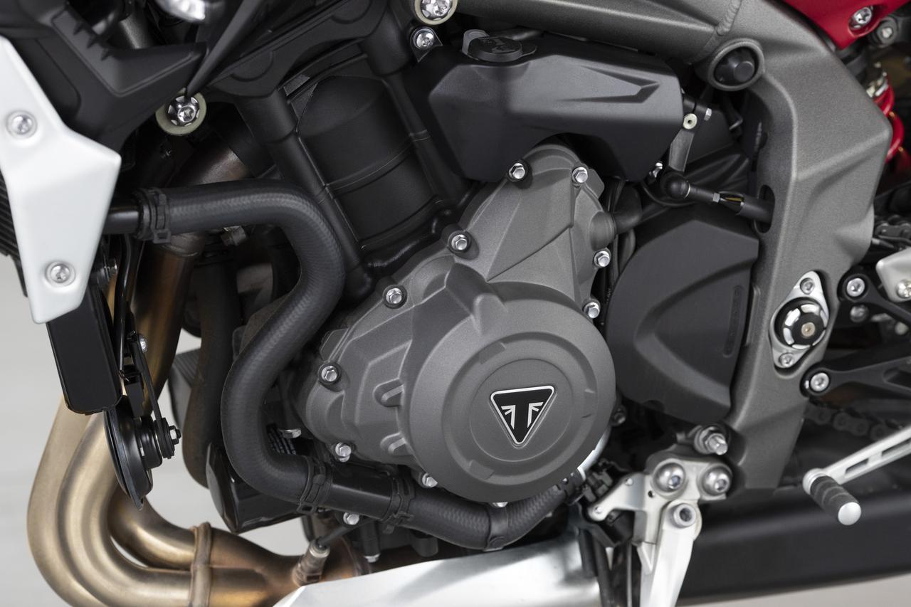 Images : 18番目の画像 - TRIUMPH Street Triple R Lowの写真を全て見る - webオートバイ