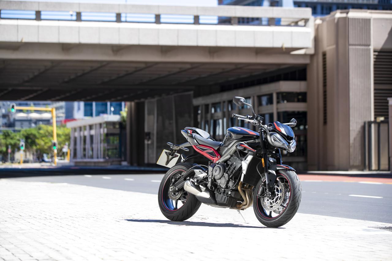 Images : 11番目の画像 - TRIUMPH Street Triple R Lowの写真を全て見る - webオートバイ