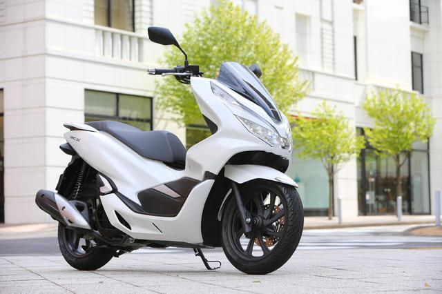 画像: <試乗インプレ>上質さと先進性に 磨きをかけた第3世代!【HONDA PCX】(2018年) - webオートバイ