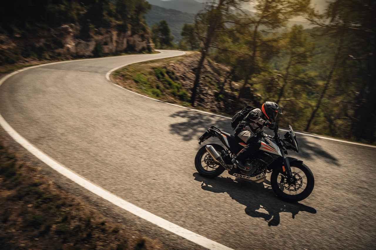 Images : 18番目の画像 - KTM「390 ADVENTURE」の写真を全て見る - webオートバイ