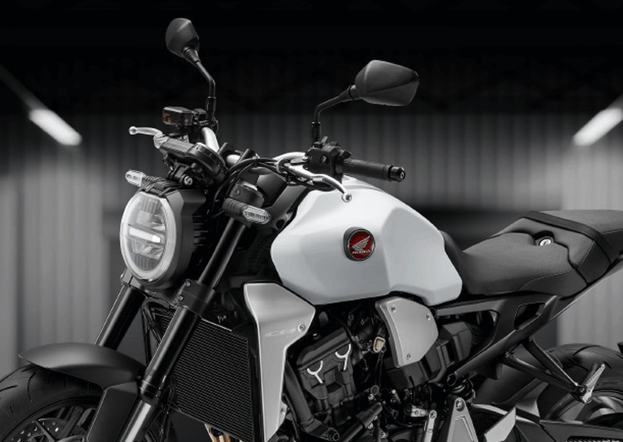 """画像: ホンダ「CB1000R」に""""新色""""の「マットパールグレアホワイト」が明日2月14日に発売! 従来色もスイングアームやヘッドライトリムなどがブラックアウトされた2020年カラーで登場します! - webオートバイ"""