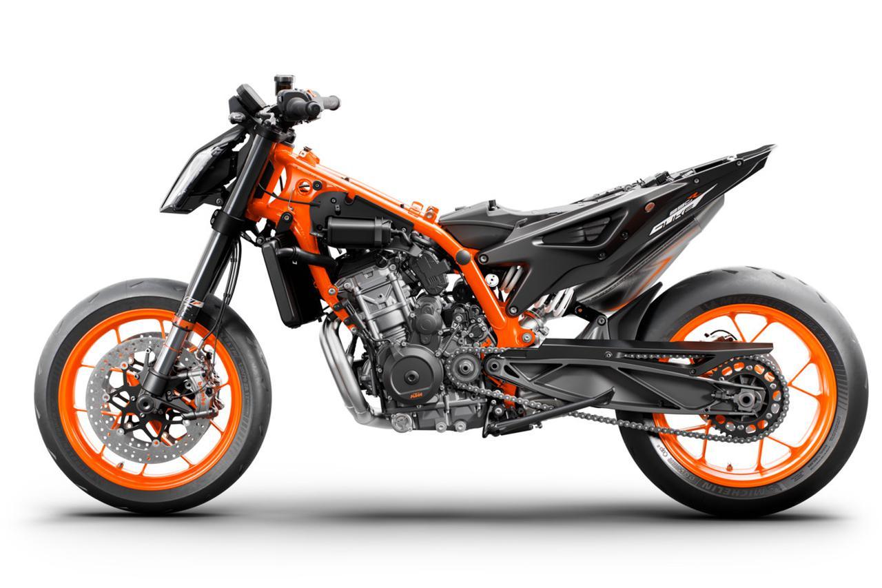 Images : 10番目の画像 - KTM「890 DUKE R」の写真を全て見る - webオートバイ