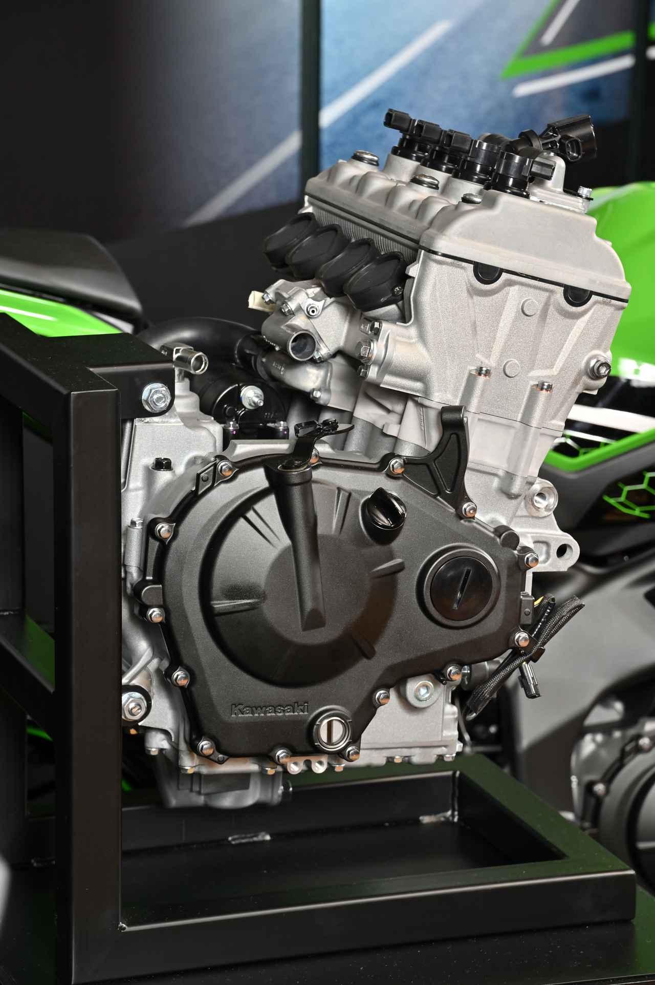 画像2: 話題沸騰のZX-25Rのエンジンの実物をどこよりも早く見れる!