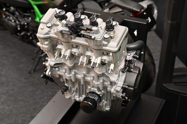 画像4: 話題沸騰のZX-25Rのエンジンの実物をどこよりも早く見れる!
