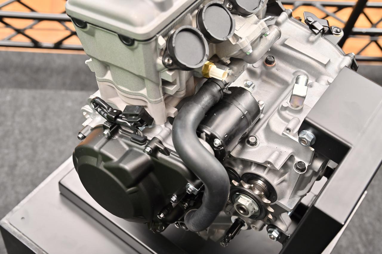 画像6: 話題沸騰のZX-25Rのエンジンの実物をどこよりも早く見れる!