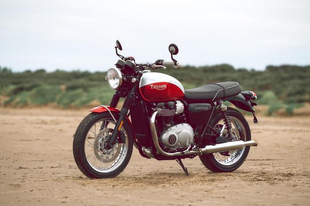 画像: T100 Bud Ekins Special Edition 排気量:900cc/水冷SOHC並列2気筒 メーカー希望小売価格(税込):129万3,500円