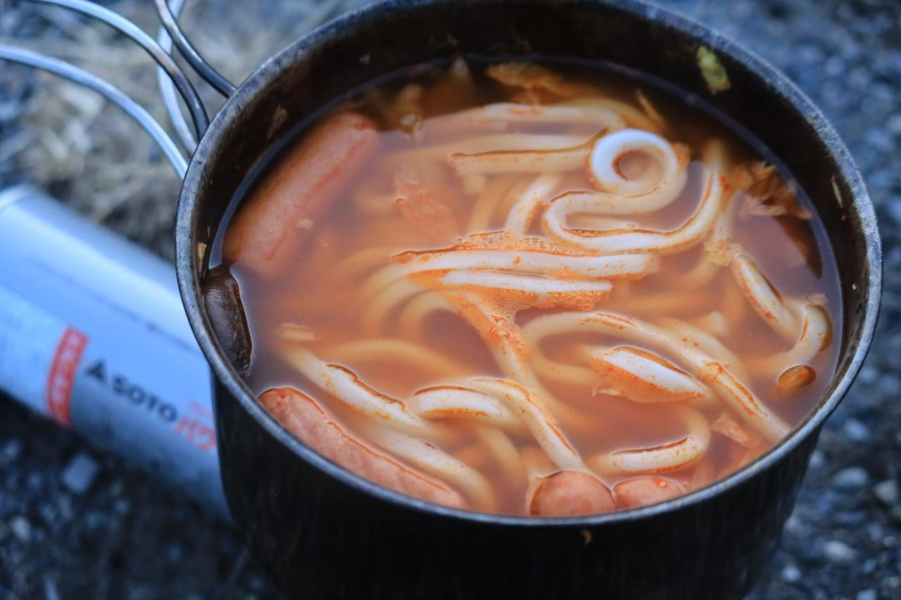 画像: 鍋+うどんほど楽なものはないですねえ。