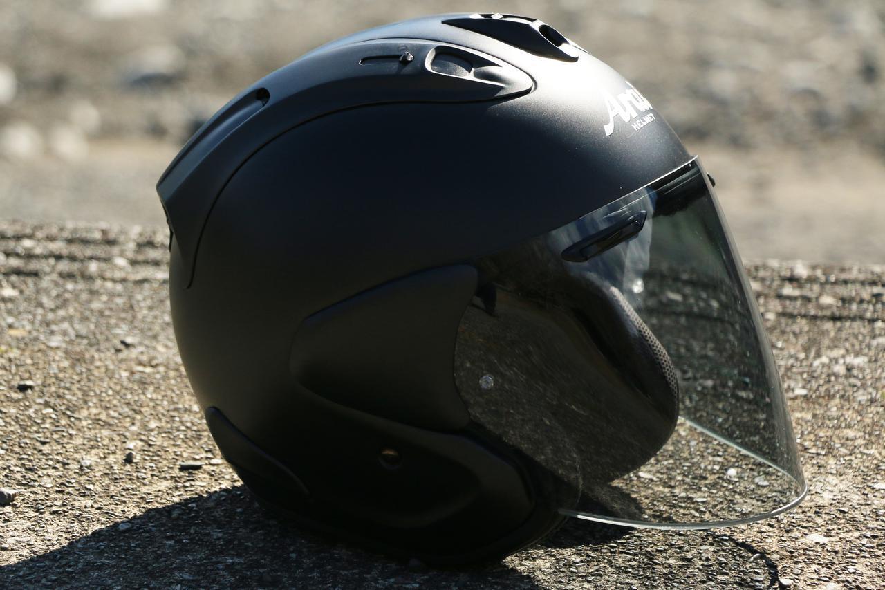 画像: お気に入りのアライヘルメット「VZ-RAM」(税別46,000円)も艶消しブラック。ADV150との相性最高! と思ってウキウキだったのですが、ソロツーリングだったため走行写真が撮れず残念。