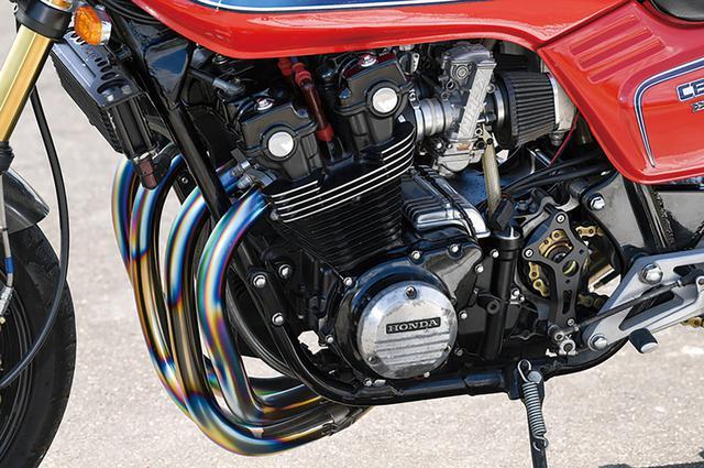 画像: エンジンは1100F換装により吸排気系も変更している。エンジンについては1100Fベースの場合、#2or#3(ともに中央側)気筒内側のスタッドホールへのクラックにも配慮しているという。