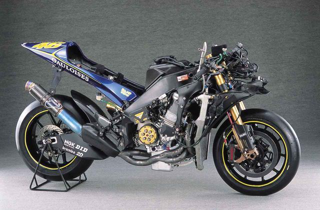 """画像1: 【MotoGP創成期】YAMAHA YZR-M1(2004)後編 〜WGPからMotoGPへ """"4サイクル990㏄時代の初代GPマシンたち""""〜"""