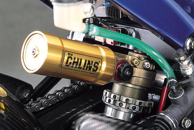 画像: リアショックユニットはオーリンズ製。フロント同様、ピストンスピードの低速/高速の2系統を独立して減衰力を調整可能。