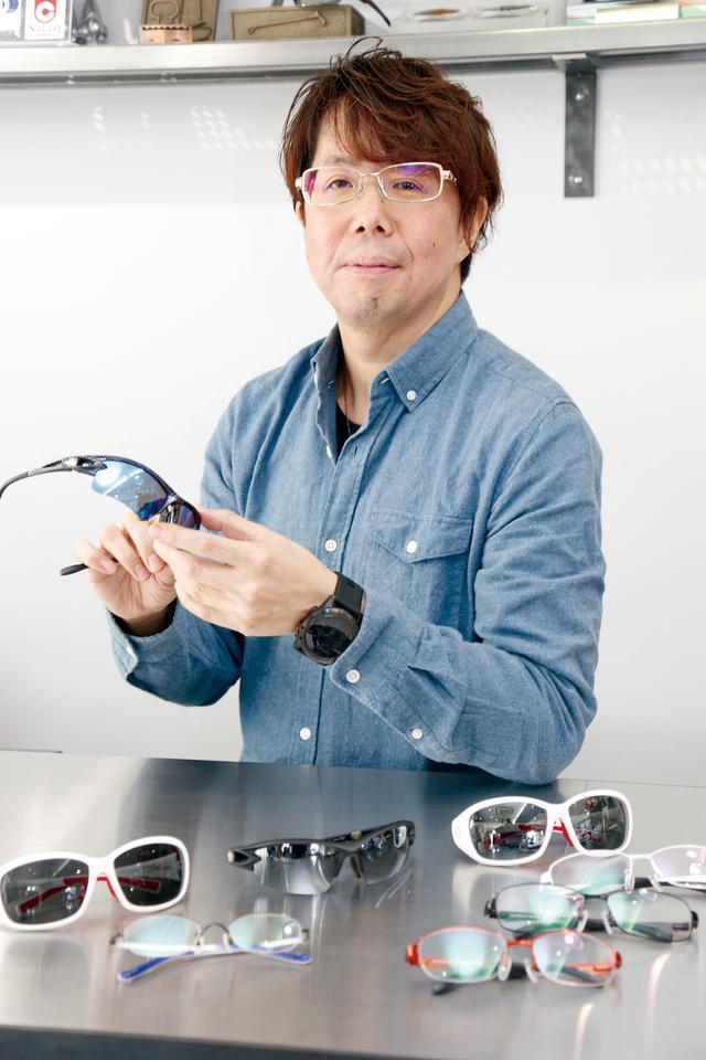画像: 「メガネライダーの誰もが喜んでくれるメガネを作りたい」という店長の檜垣晃彦氏。