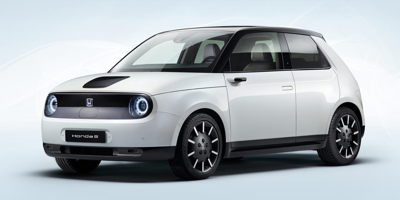 画像: 都市型電気自動車「Honda e」は2019年3月のジュネーブモーターショーでプロトタイプを世界初公開。2019年10月の東京モーターショーにも展示された。