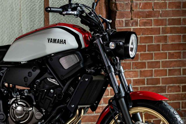 画像: 【速報】ヤマハ「XSR700 ABS」がマイナーチェンジ! 1980年代のスポーツモデルをイメージした新色が登場 - webオートバイ
