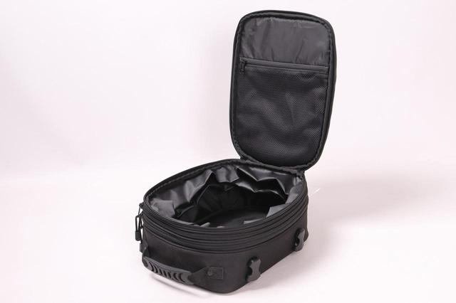 画像2: 荷物の量に合わせて、高さが調節できるシートバック