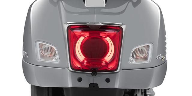 画像: 特徴的なテールランプもLEDライトを採用