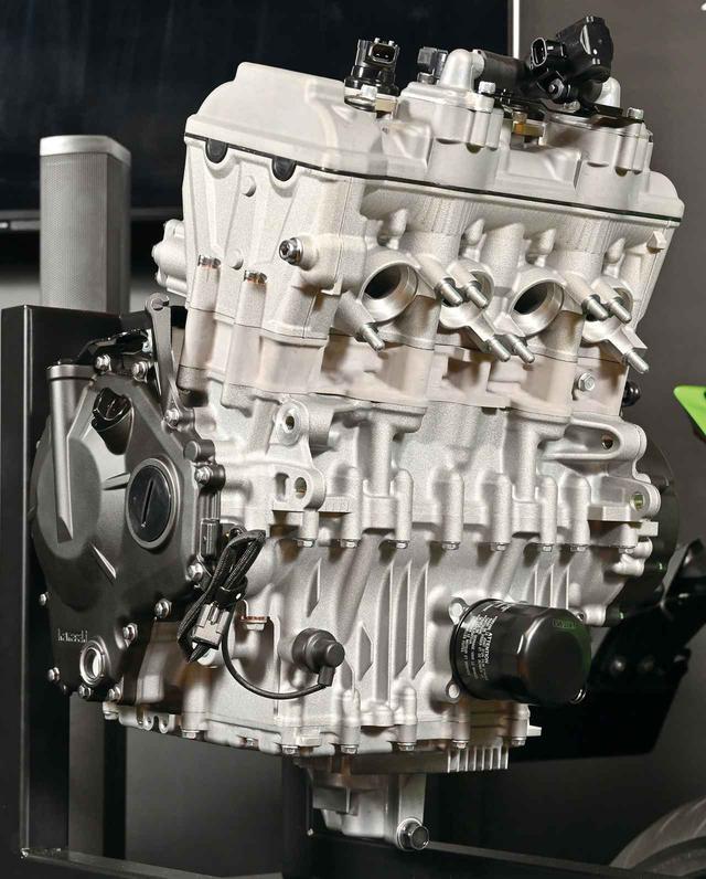画像1: カワサキ「Ninja ZX-25R」の250cc・4気筒エンジンの秘密。エンジン単体から見えてきたことを総まとめ!