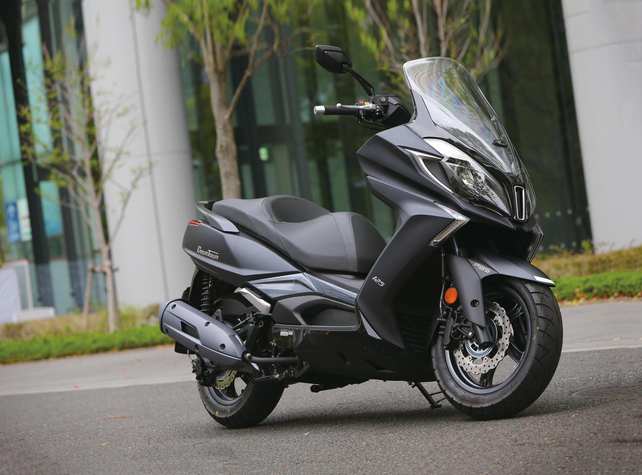 画像: 迫力ボディにゆとりの走り!快適125スクーター登場!『KYMCO DOWNTOWN125i ABS』#試乗インプレ - webオートバイ