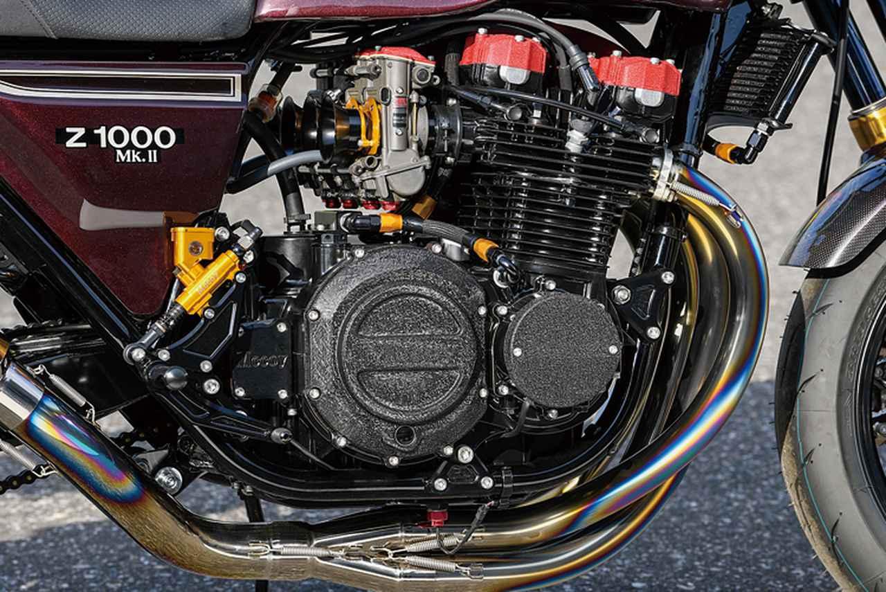 画像: エンジンはZ1000Mk.Ⅱをベースに、シリンダーヘッドをJ系加工ツインプラグ仕様に換装。ピスタル製φ76mmピストンに超々ターカロイ鋳鉄スリーブ、Mccoy6速クロスミッションやTSSスリッパークラッチにMccoyダイナモワンウェイクラッチキット等、GT-Mエンジンの最新仕様と言える内容が盛り込まれる。キャブレターはTMR-MJNのφ36mm。