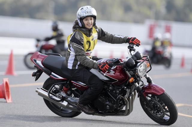 画像1: 誰もが確実に上手くなる「STEC」って何だ? 大関さおりさんも走りが激変!? - webオートバイ