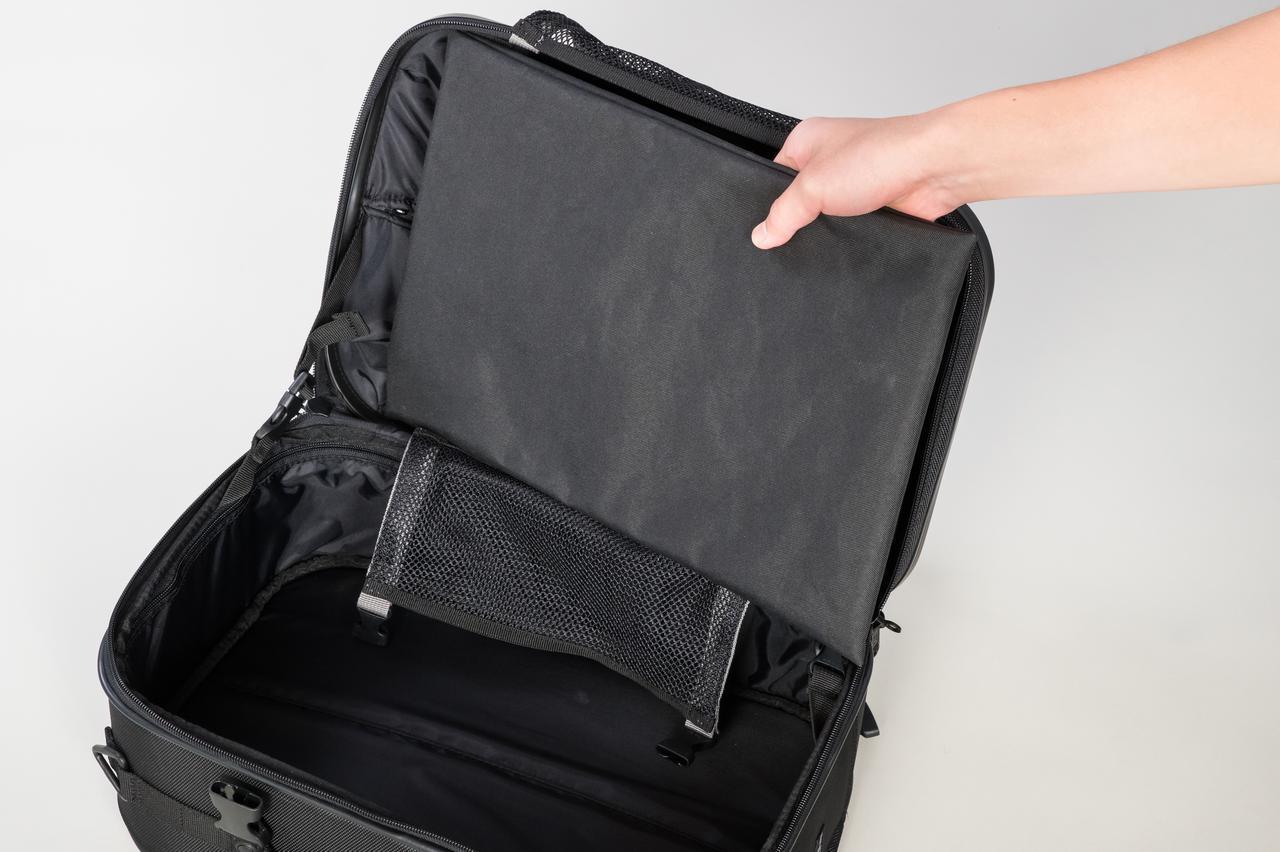 画像: 収納袋付き。