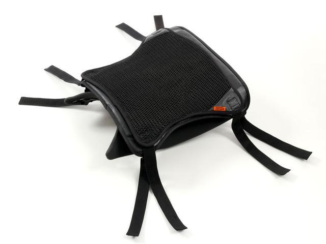 画像2: 通気性を上げお尻の痛みを抑える! 装着も簡単な後付けクッション