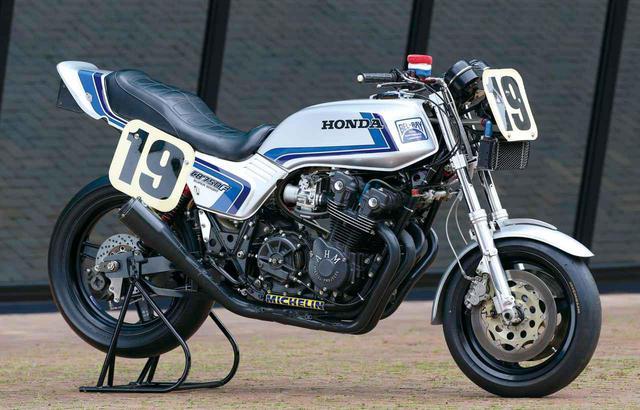 画像: フレディ・スペンサーが駆ったアメリカ・ホンダのファクトリーマシン「CB750F RACER」(1981年) www.autoby.jp