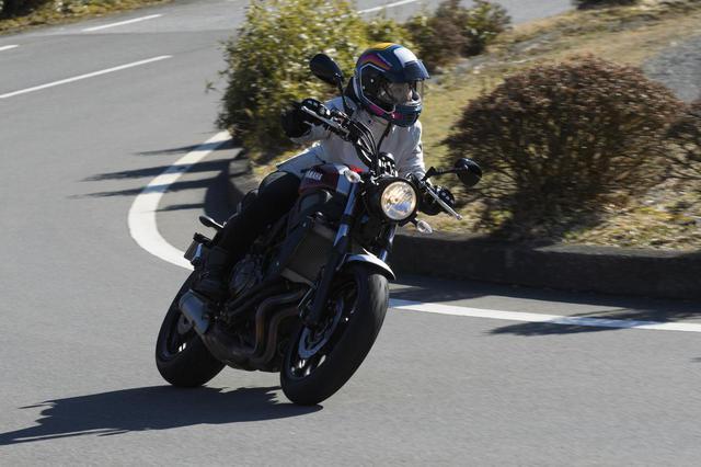 画像: 現在、ジムカーナ競技にも取り組んでいる平嶋夏海ちゃん。撮影日も高速道路からワインディングまで走りを楽しんだ。