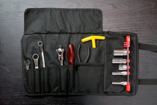 画像1: ホンダSUPER CUB50/70/90の工具を考える③ 工具収納編。ツールロールは工具巻き〈若林浩志のスーパー・カブカブ・ダイアリーズ Vol.8〉