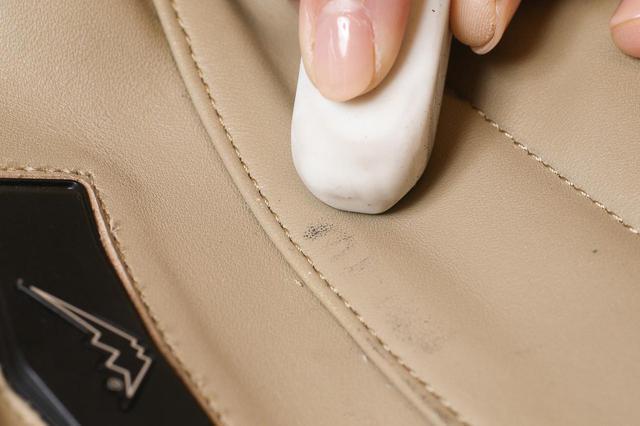 画像2: 革製品の簡単お手入れ方法はこれで完璧! 専門家に聞いたレザージャケット・ブーツ・グローブのメンテナンス術