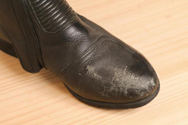 画像4: 革製品の簡単お手入れ方法はこれで完璧! 専門家に聞いたレザージャケット・ブーツ・グローブのメンテナンス術