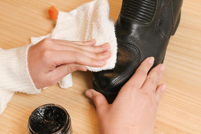 画像5: 革製品の簡単お手入れ方法はこれで完璧! 専門家に聞いたレザージャケット・ブーツ・グローブのメンテナンス術