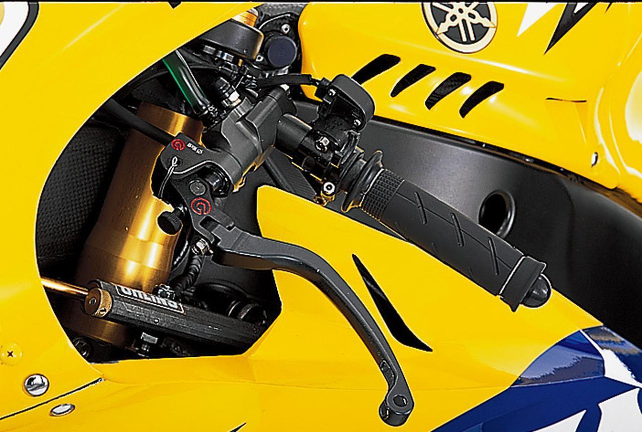 画像: クラッチマスターシリンダーもブレーキと同じくブレンボ製で、こちらのサイズはφ16×19である。