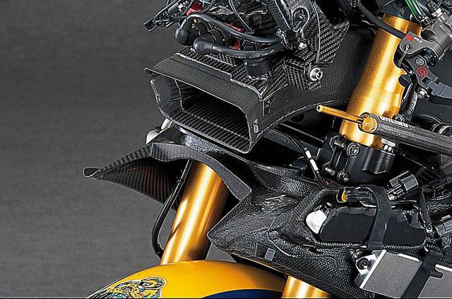 画像1: 【MotoGP創成期】YAMAHA YZR-M1(2006)徹底解剖<No.02>「ヤマハ時代のロッシが駆けた990cc最終型のYZR-M1」