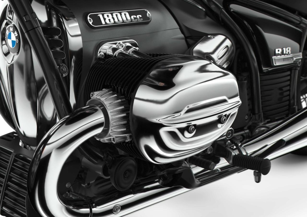 """画像: R18""""ビッグボクサー""""エンジンの最高出力は91HP/4750rpm、最大トルクは158Nm/3000rpmを発生。2000〜4000rpmで常に150Nmを維持する幅広いトルクバンドを誇ります。"""