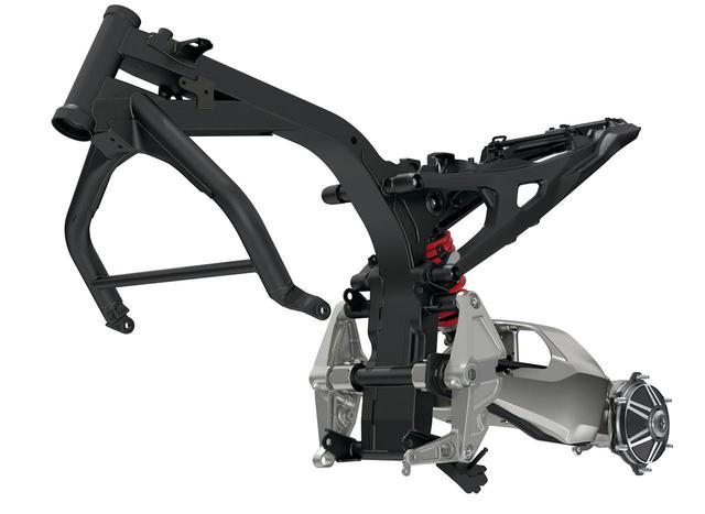 画像: これはCB1000Rのバックボーンフレーム。外装でうまくカバーされているが、CB-Fコンセプトもこのシャシーを踏襲している。
