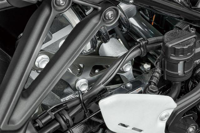 画像: リヤサスのリンクを変更することで純正比約20mmのローダウンが可能なローダウンブラケット(税別7500円)。