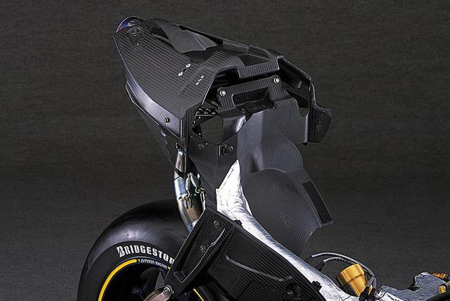 画像11: 【MotoGP創成期】SUZUKI GSV-R(2006)徹底解剖<No.03>「990㏄時代最後の2006年型GSV-R」