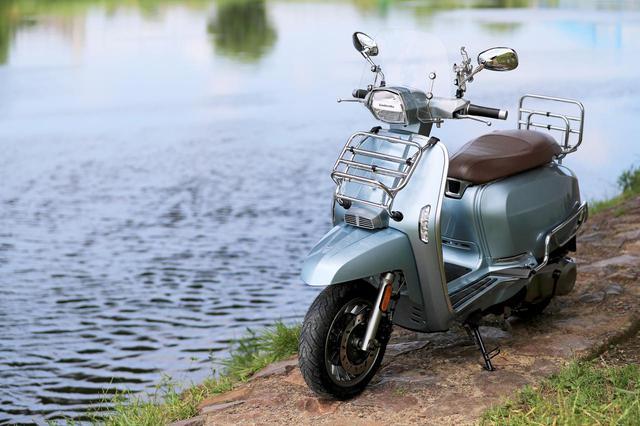 画像: 〈試乗インプレ〉ランブレッタ「V200スペシャル」/シリーズ唯一、高速道路を走れるハイエンドモデル - webオートバイ