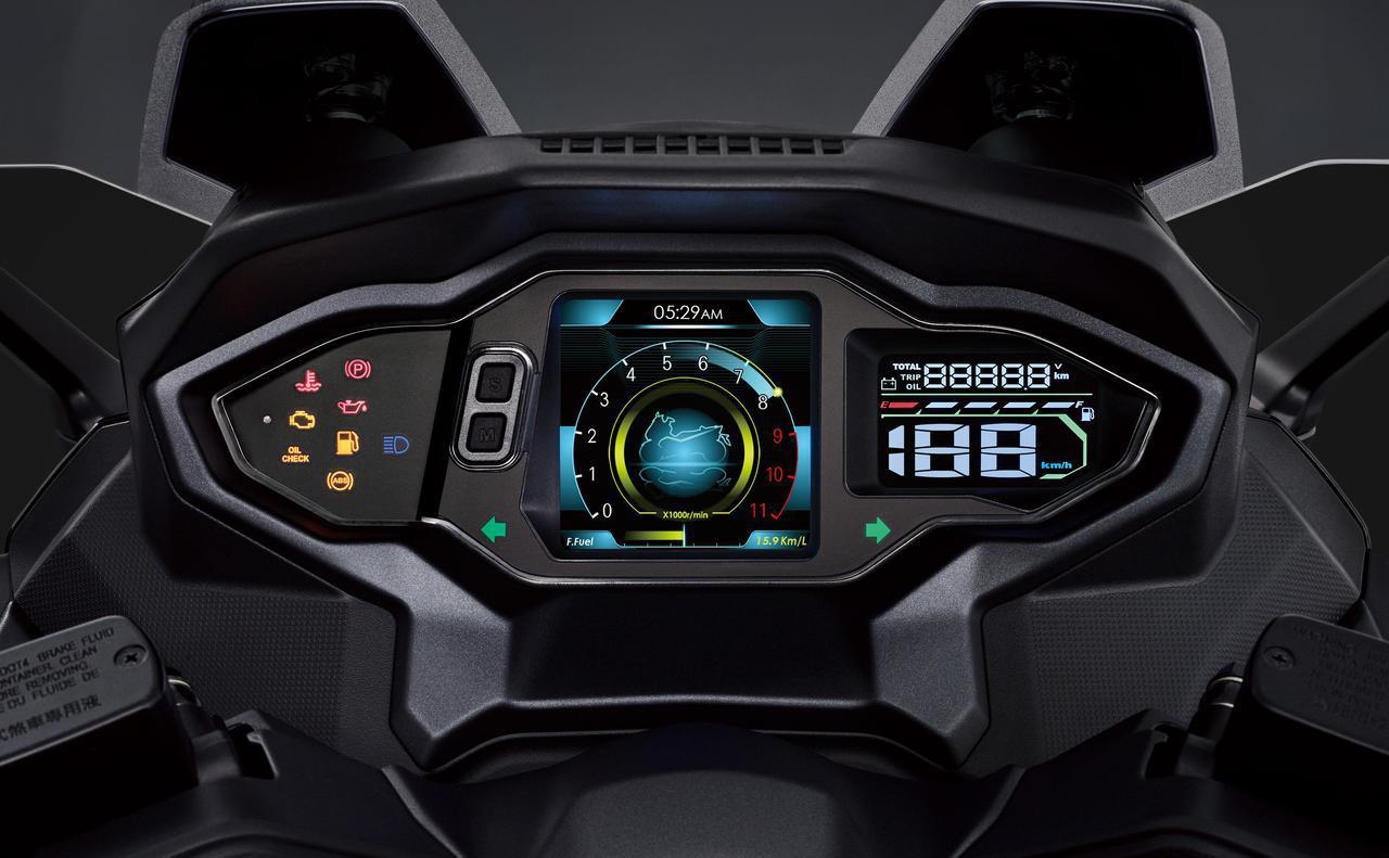 画像: 中央の4.5インチのTFT ディスプレイは、キーをオンにするとウェルカムアニメーションが表示されるトリップコンピューターを内蔵し、表示デザインは異なる3タイプから選択が可能です。また、走行距離や平均速度、瞬時の燃料消費など、実用的な情報も表示されます。