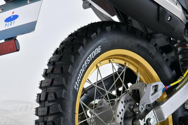 画像: BRIDGESTONE BATTLAX ADVENTURECROSS AX41 4.00-18 M/C 64P TL 税別:27,200円 ※製品にタイヤステッカーは付属していません。 plotonlinestore.com