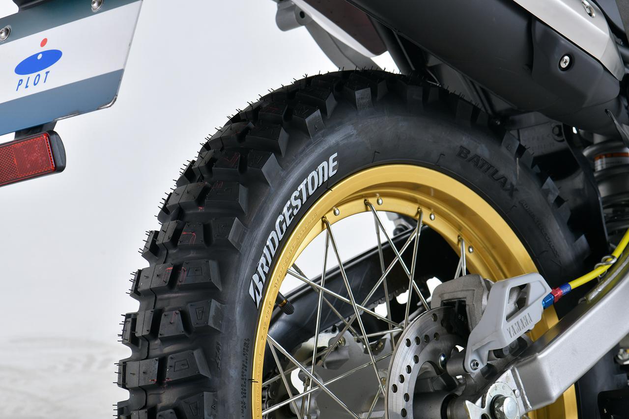 画像: BRIDGESTONE BATTLAX ADVENTURECROSS AX41 4.00-18 M/C 64P TL 税別:27,200円 ※製品にタイヤステッカーは付属していません。
