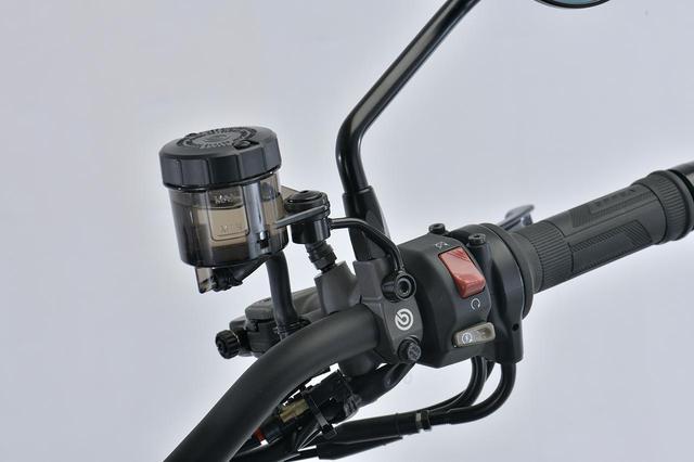 画像: BREMBO オイルタンク S50(大) 取出:下90゚ スモークグレー 税別:2,200円 plotonlinestore.com