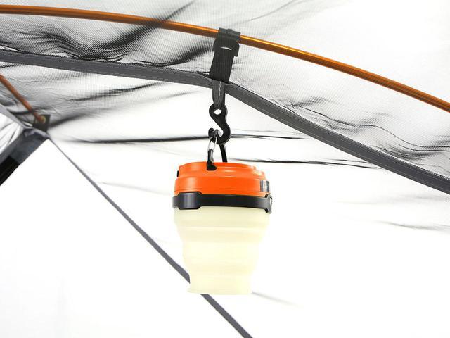 画像: 何かと便利なランタンフックがインナーテント内にしっかりと備わっています。