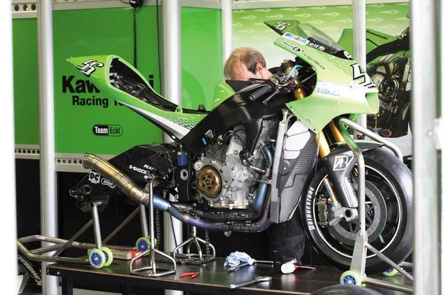 画像2: 990cc最終シーズンにもかかわらず、全面新設計のニューエンジンを搭載し、生まれ変わる