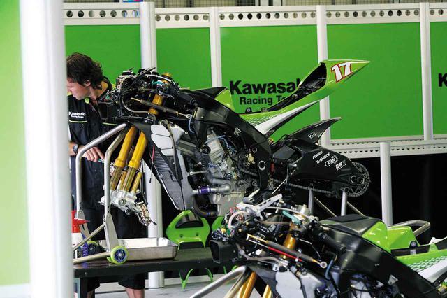 画像1: 990cc最終シーズンにもかかわらず、全面新設計のニューエンジンを搭載し、生まれ変わる