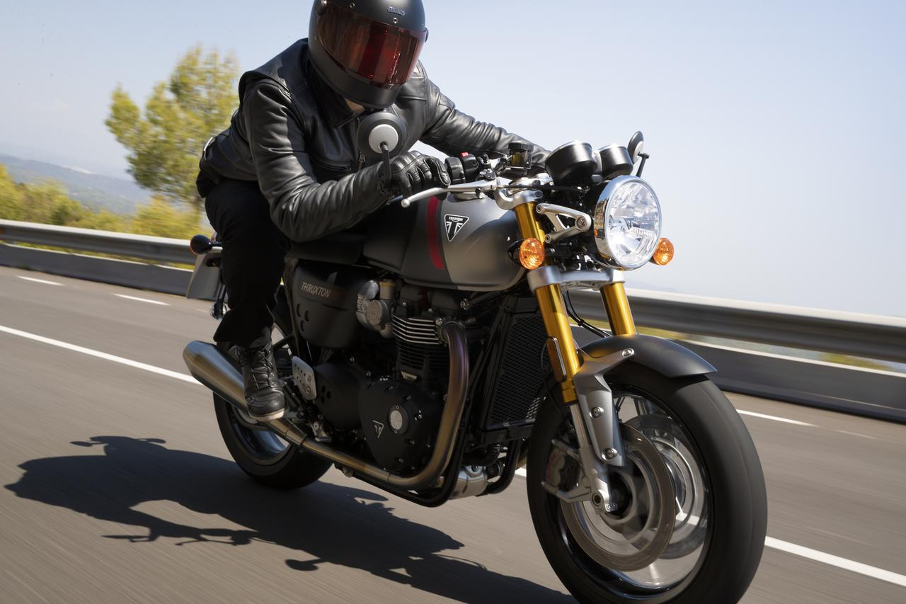 画像: トライアンフ新型車「スラクストンRS」 - webオートバイ