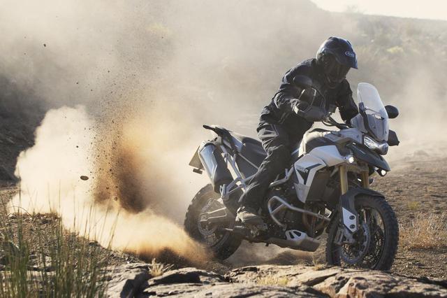 画像: トライアンフ新型車「タイガー900」- webオートバイ