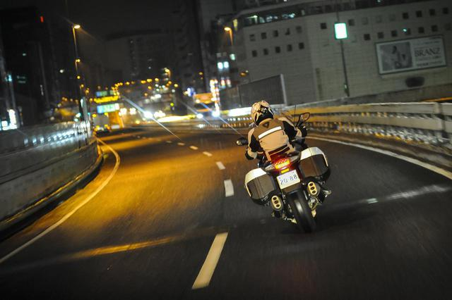 画像3: 24時間で東京→鹿児島佐多岬へ行けるのか? 悪天候の中見えたBMW「K1600GTL」の超長距離ツーリング性能